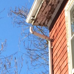 downspout pulled away from roof